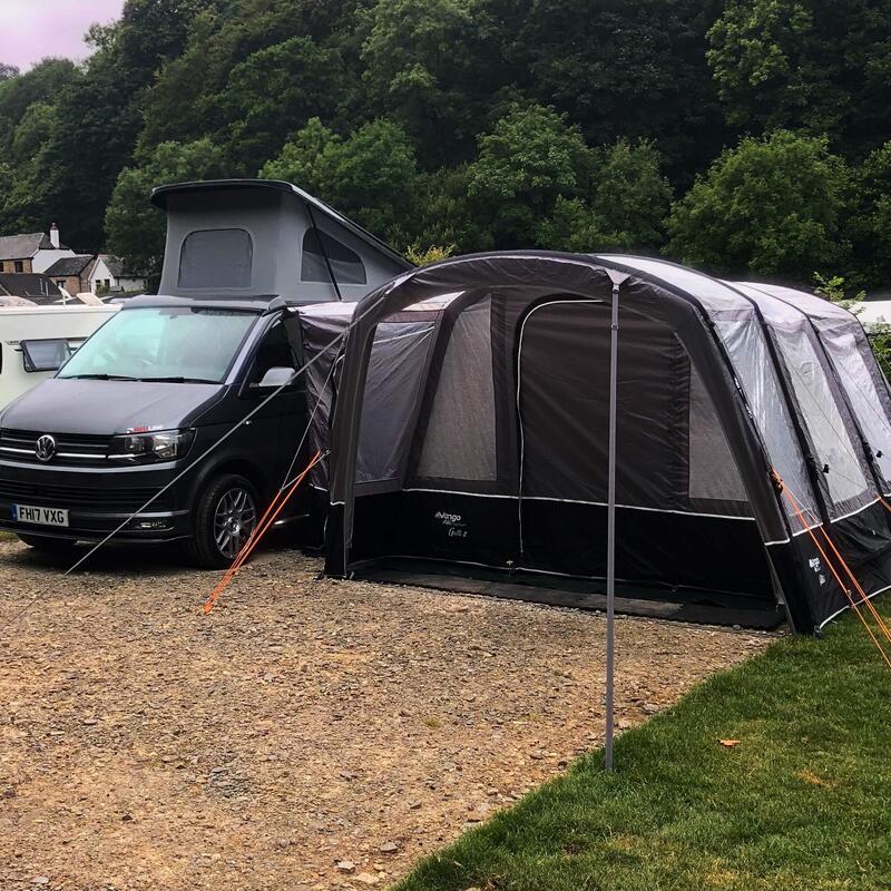 Motorhomes and Campervans - Lake Field